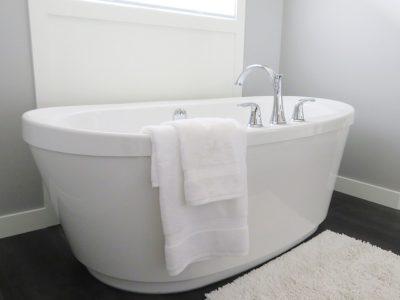 bathtub-2485957_640